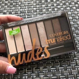 COVERGIRL truNaked scented eyeshadow palette